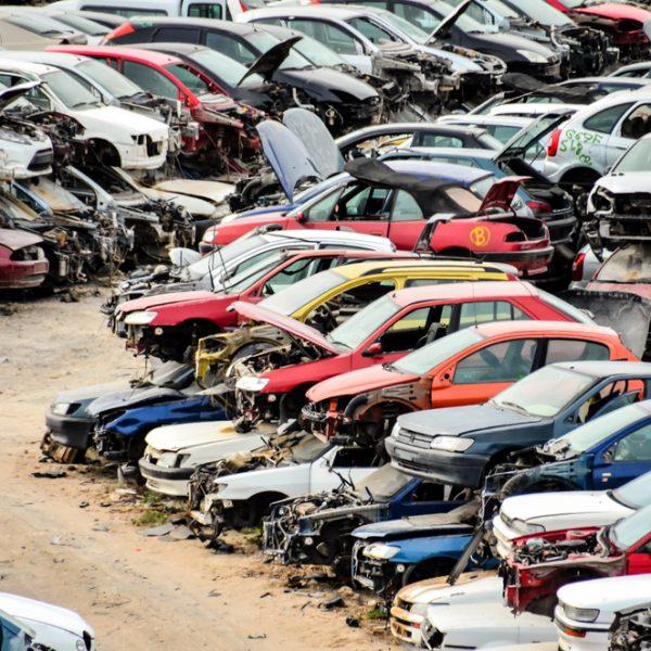 Autoschrottplatz oder Autoverwertung? Wir klären auf.